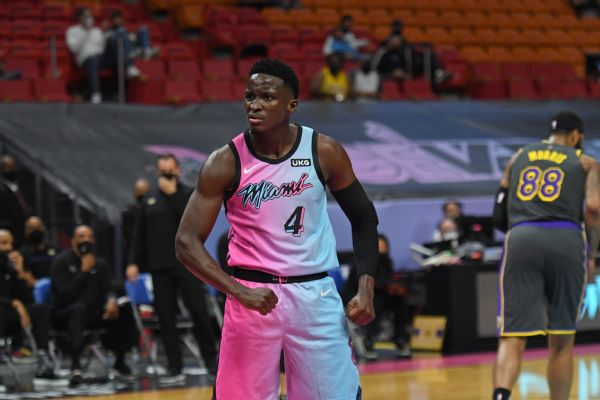Oladipo staying in Miami to have knee evaluated