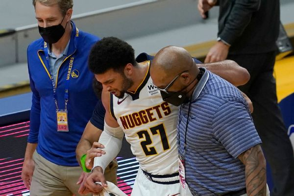 Nuggets' Murray helped off after knee injury