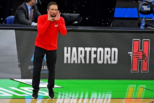 Hartford to D-III after NCAA men's tourney berth