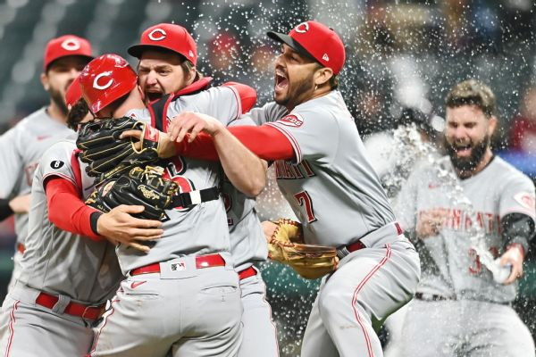 Reds' Miley stifles Indians for MLB's 4th no-hitter