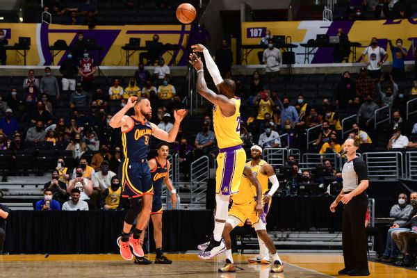 LeBron delivers in clutch as Lakers take 7th seed