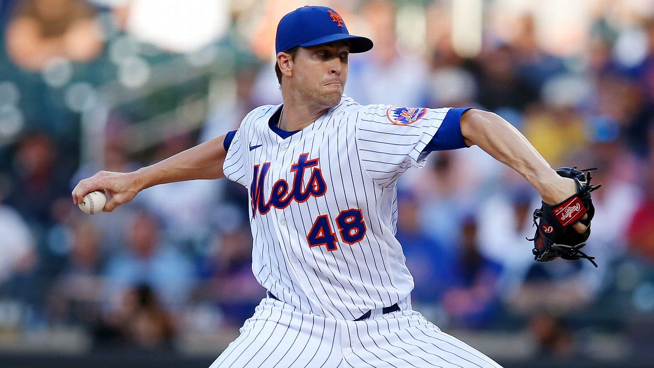New York Mets ace Jacob deGrom exits with shoulder soreness ...