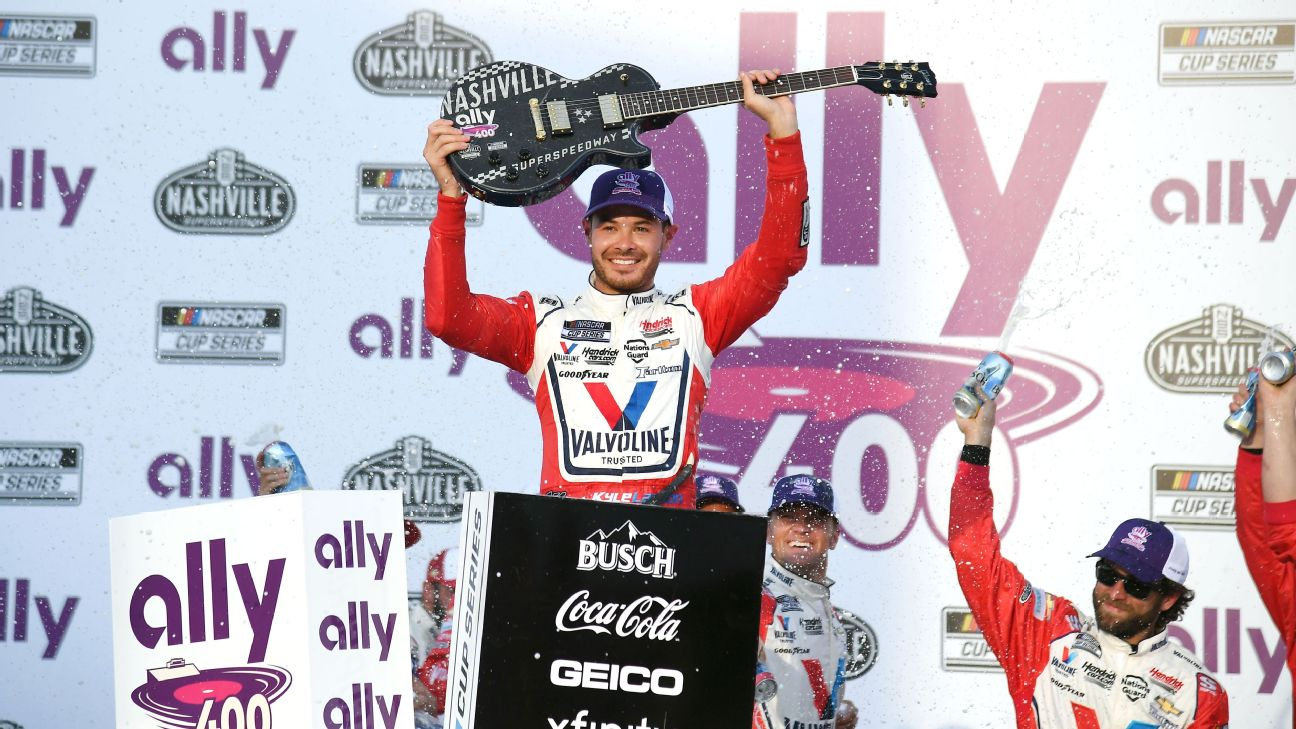 Larson wins 4th straight at Nashville's Cup debut