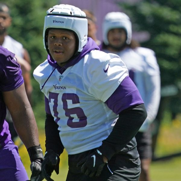 Vikings rookie Twyman shot, expected to recover