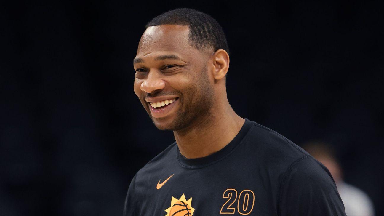 Pelicans officially name Green as next head coach