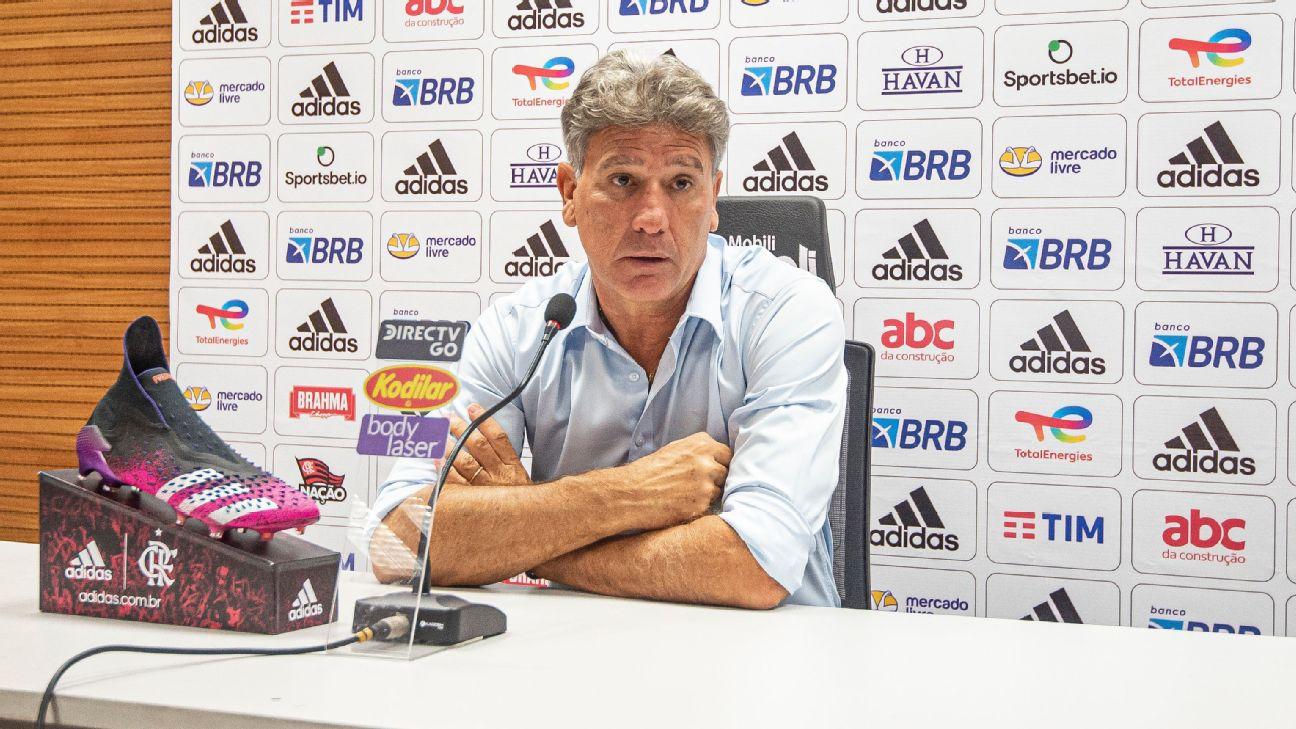 Flamengo estava perdendo e n�o estava apelando, explica Renato sobre confus�o na �rea t�cnica