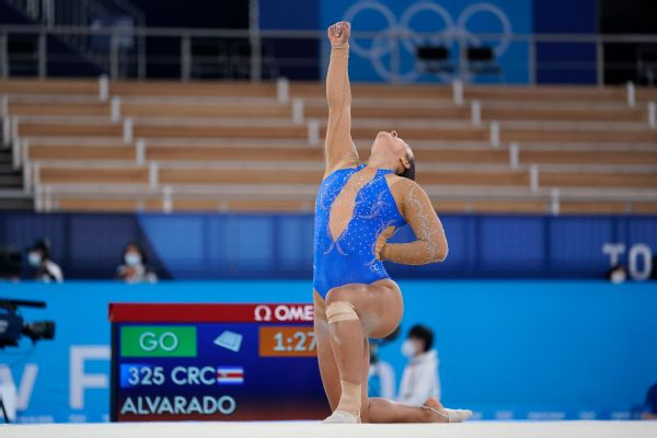 Costa Rica gymnast caps routine by taking a knee
