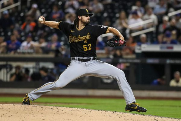Yankees deal 2 prospects for Pirates RHP Holmes