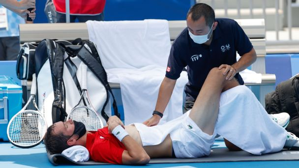'I can die': Extreme heat plagues Medvedev in win