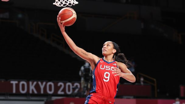 U.S. women's basketball team advances to quarterfinals, but still isn't in sync at Tokyo Games