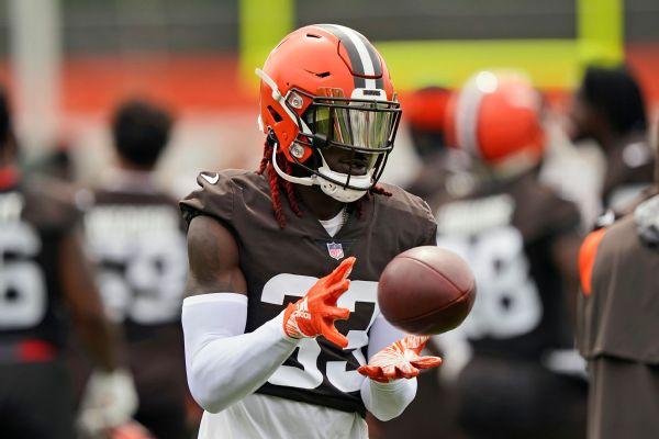 NFL hits Browns' Harrison with $12K shoving fine
