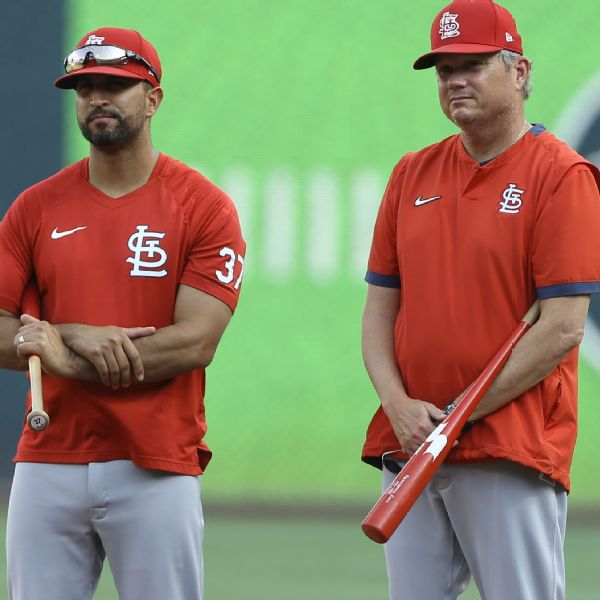 Sources: Cardinals will hire Marmol as manager