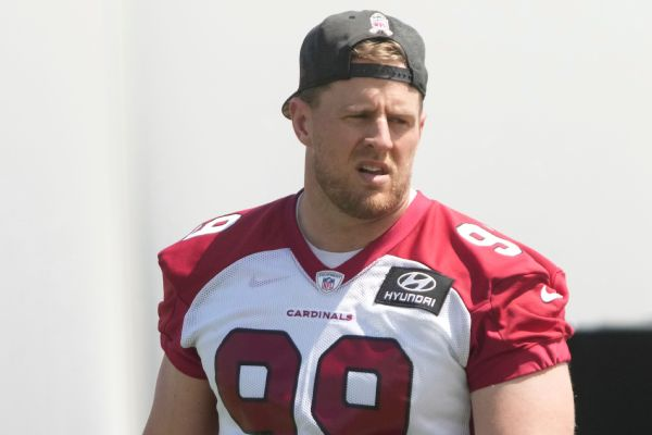 Cards' Watt (shoulder) out for Packers showdown